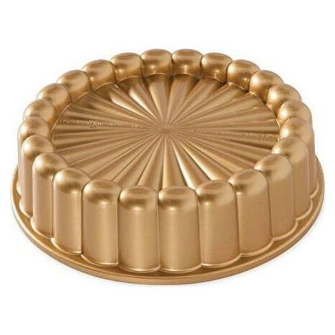 Forma na bábovku ve zlaté barvě Nordic Ware Charlotte, 1,4 l